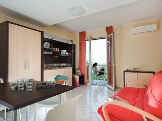1 bedroom Apartment with Air Con, WiFi and Walk to Shops - 5247316
