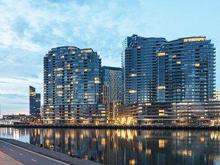 JC Waterfront Apartments on Collins **FREE: Parking/Wifi/Tram Zone/Netflix