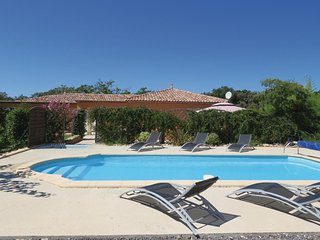 Awesome home in Plaissan w/ Outdoor swimming pool, WiFi and 4 Bedrooms