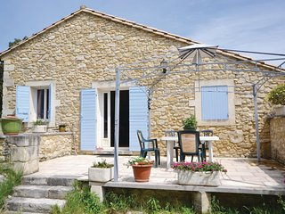 Beautiful home in Bollène w/ Outdoor swimming pool, WiFi and Outdoor swimming p