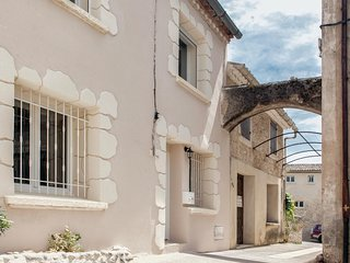 Nice home in St. Martin d'Ardéche w/ WiFi and 4 Bedrooms