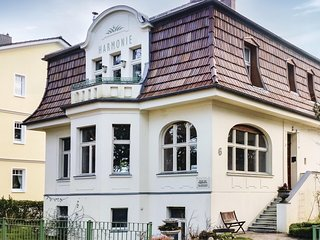 Awesome home in Seebad Ahlbeck w/ WiFi and 6 Bedrooms