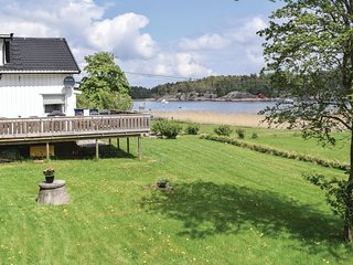 Beautiful home in Vesterøy w/ 3 Bedrooms (N37263)
