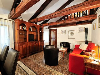 Venice Apartment Sleeps 7 with Air Con and WiFi - 5248498