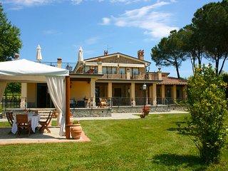 Castiglion Fiorentino Villa Sleeps 14 with Pool Air Con and WiFi - 5676137