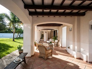 Lido Signorino Villa Sleeps 11 with Pool and Air Con - 5639304
