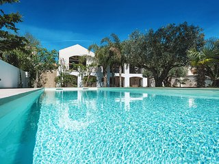 5 bedroom Villa with Pool, Air Con and Walk to Beach & Shops - 5639304