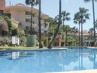 Nice apartment in Fuengirola w/ Outdoor swimming pool, Outdoor swimming pool and