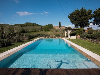 Montebenichi Villa Sleeps 8 with Pool Air Con and WiFi - 5247749