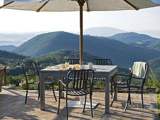 Palazzo Guglielmi Villa Sleeps 8 with Pool Air Con and WiFi - 5247528