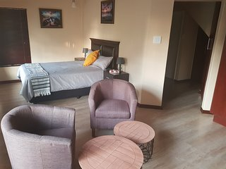 Weeping Willow Guest House(Deluxe Double Room)