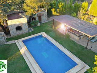 Detached cottage near Ronda with  private  pool, Wifi, parking