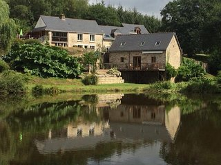 4 gite complex with private carp fishing lake, pool and hot-tubs.