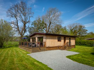 Ash Lodge, 2 Bed, in Stunning South Shropshire Riverside Location