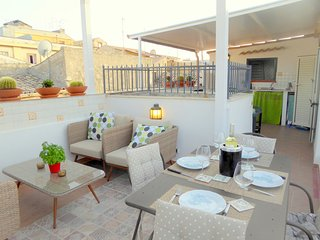 diocese of Siracusa Apartment Sleeps 5 with Air Con and WiFi - 5639305