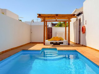 3 bedroom Villa with Pool and WiFi - 5707250