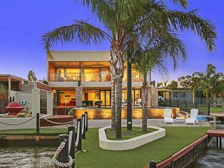 Lang Street Luxury Retreat - Mulwala