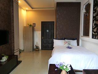 Friendly Homestay - cozy room ,share bathroom with bacolny