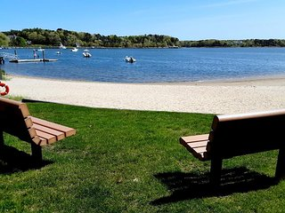 END OF SEASON SPECIAL RATE!! COTUIT BAY SHORES! 142427