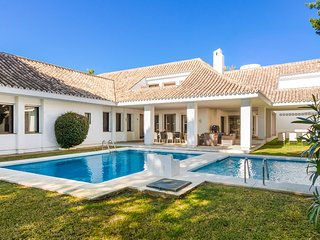 Superb Villa 5 On The Beach in Puerto Banus, Marbella