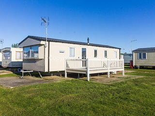8 berth caravan at Martello Beach holiday park near Clacton on sea ref  29128B