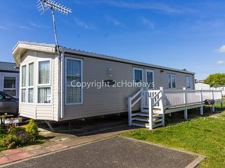 8 berth caravan with decking to hire at Naze Marine in Essex ref 17045NM