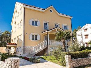 Jadranovo Apartment Sleeps 4 with Pool and Air Con - 5464462