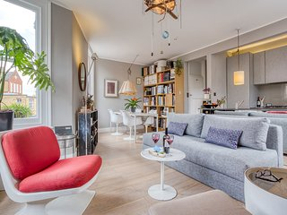 Bright and Cosy Shepherd's Bush Nest - ACS