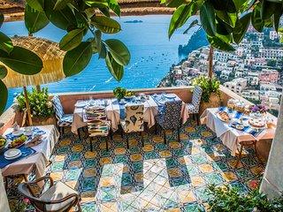 Positano Villa Sleeps 28 with Pool Air Con and WiFi - 5248316