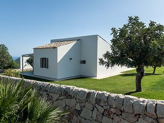3 bedroom Villa with Pool and WiFi - 5247464