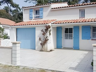 Nice home in La Tranche sur Mer w/ WiFi and 3 Bedrooms