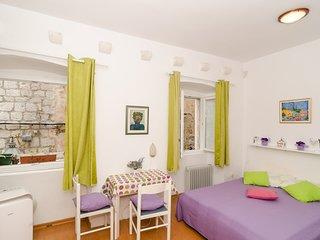 Apartments Mila - Studio Apartment
