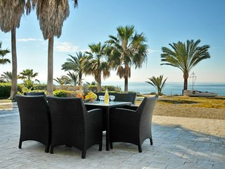 You Will Love This Luxury Villa with Balcony in Larnaca, Villa Larnaca 1006