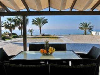 You Will Love This Luxury Villa with Balcony in Larnaca, Villa Larnaca 1006