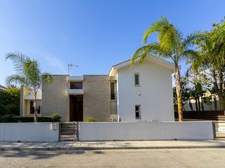 The Secret to Enjoying Your 5 Star Villa close to the Beach near Larnaca, Villa