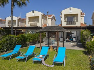 You Will Love This Luxury Beachfront Villa near Larnaca, Villa Larnaca 1011