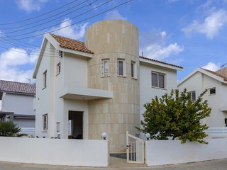The Secret to Enjoying Your 5 Star Villa close to the Beach in Paralimni, Villa