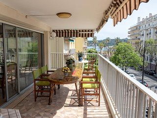 Juan-les-Pins Apartment Sleeps 4 with Air Con and WiFi - 5801566