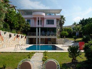 Villa Liya