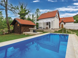 Amazing home in Tomici w/ WiFi, Outdoor swimming pool and 4 Bedrooms
