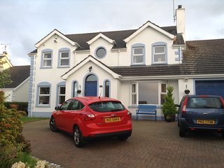 4 bed house, quiet residential area near OPEN Golf Portrush