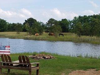 Rock'n O Private Lake, Cabins & Ranch - Cowboy Cabin - Southeastern Oklahoma