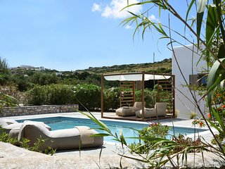 Aiolos - Private Pool & Jacuzzi Villa