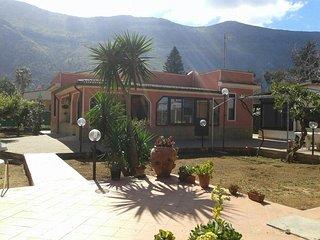 Villa tipica siciliana - orto biologico - ampio giardino - 1700 mq2