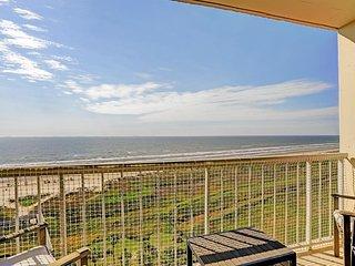 Galvestonian 1002-Beachfront Getaway