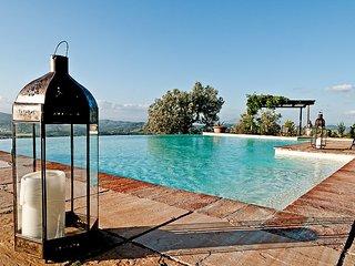 Ambrogiana Villa Sleeps 6 with Pool and WiFi - 5229418