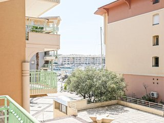 1 bedroom Apartment with Air Con, WiFi and Walk to Beach & Shops - 5797046