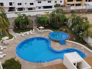 Condominio amplio en Zona Dorada Mazatlán
