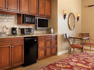 Luxury Studio with full kitchenette - Vino Bello Resort