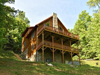 Appalachian Retreat-Great Mountain Views, Pet Friendly, WIFI, fireplace